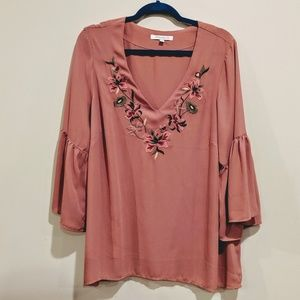 Rose + Olive bell sleeves embroidered top size 1X